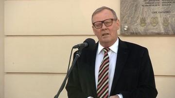 """Berczyński złożył rezygnację. Macierewicz ją przyjął. """"Nadal będzie pracował z komisją"""""""