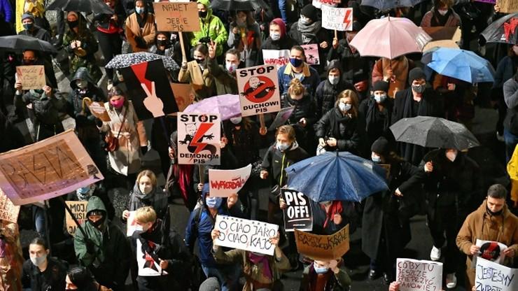 """Kolejny dzień protestów w Polsce. """"Nie będziemy ofiarami"""""""