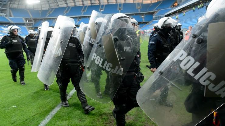 Dziesięciu zatrzymanych i jeden skruszony po meczu Lech - Legia!