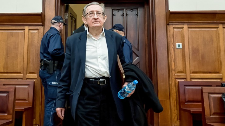 Kolejny akt oskarżenia wobec b. senatora Józefa Piniora