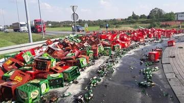 Tirem spieszył się przez rondo. Zasypał je piwem. Sprzątanie się przedłużało