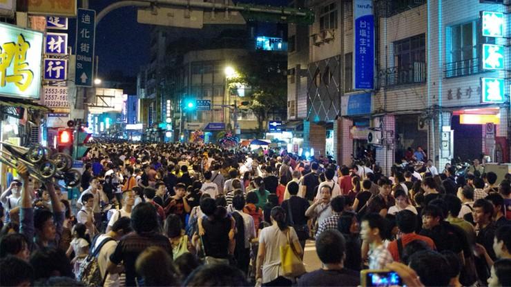 Niemal 10 tys. kandydatów na stanowisko urzędnika w recepcji w Pekinie