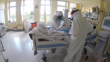 Pielęgniarka: czujemy się wystawieni na strzał przy akompaniamencie oklasków