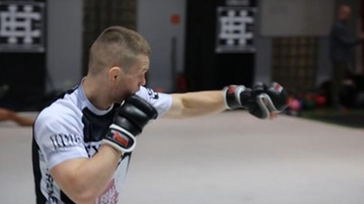 Cage Warriors 121: Sylwester Miller zdyskwalifikowany! Polak walczył w Londynie o pas