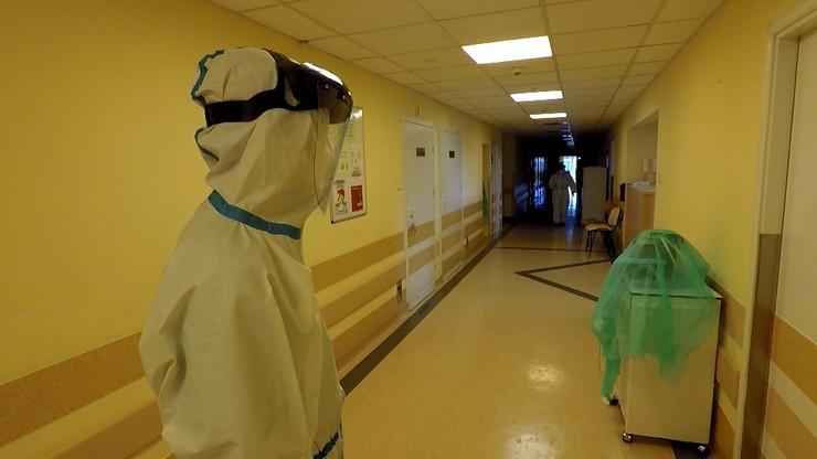 Nowe przypadki koronawirusa w Polsce. Ponad 900 zakażeń