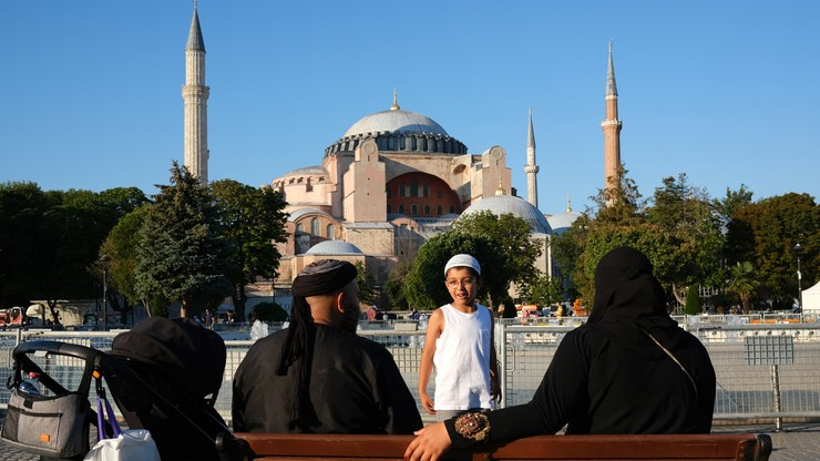 Pierwsza modlitwa islamska w Hagii Sophii. W Polsce na znak żałoby zabiją dzwony