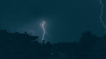 W części kraju spodziewane burze. Alert RCB