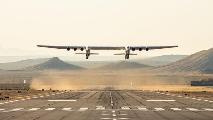 Pierwszy lot największego samolotu świata