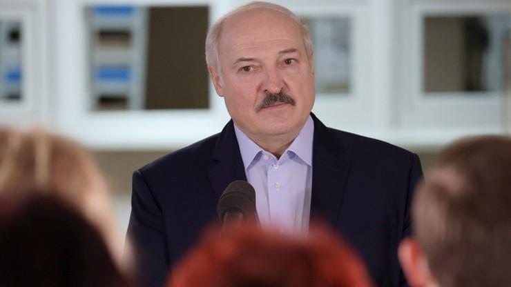 Łukaszenka zaproponował przekazanie części swoich uprawnień