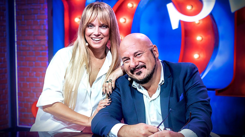 Ona żartuje z blondynek, a on przyłapany na... Mamy wideo! - Polsat.pl
