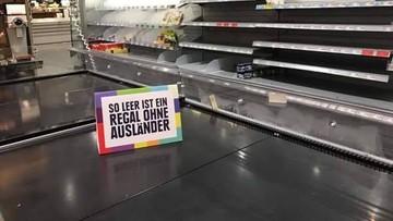 """""""Tak pusta jest półka bez cudzoziemców"""". Supermarket w Niemczech protestuje przeciwko rasizmowi"""