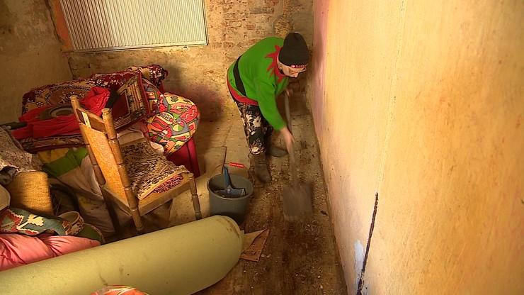 Niepełnosprawna mieszka w ruinie domu. MOPS: nie mamy pola do popisu