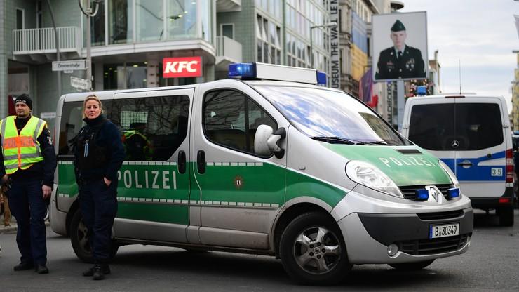 Strzały przy Checkpoint Charlie w Berlinie? Policja nie znalazła dowodów użycia broni