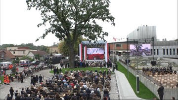 """""""Polacy są jak trawa, podnoszą się za każdym razem"""". Prezydent na otwarciu Muzeum Pamięci Sybiru"""