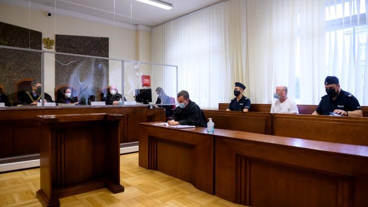 Poznań. 10 lat więzienia dla Przemysława H. Zabił siekierą i przez miesiąc mieszkał ze zwłokami