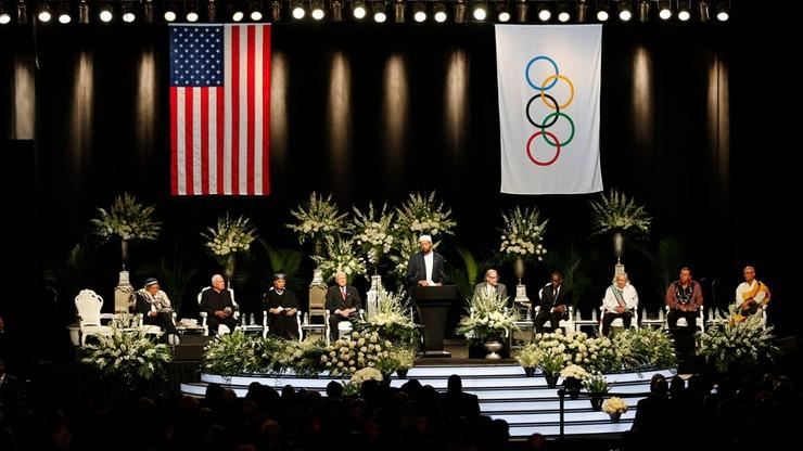 USA: drugi dzień uroczystości pogrzebowych Muhammada Alego
