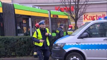 Tramwaj wypadł z szyn i wbił się w budynek. Groźny wypadek w Poznaniu