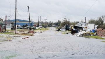 """""""Zajmie nam lata, zanim podniesiemy się z tej katastrofy"""". Trwa szacowanie strat po przejściu huraganu Harvey"""