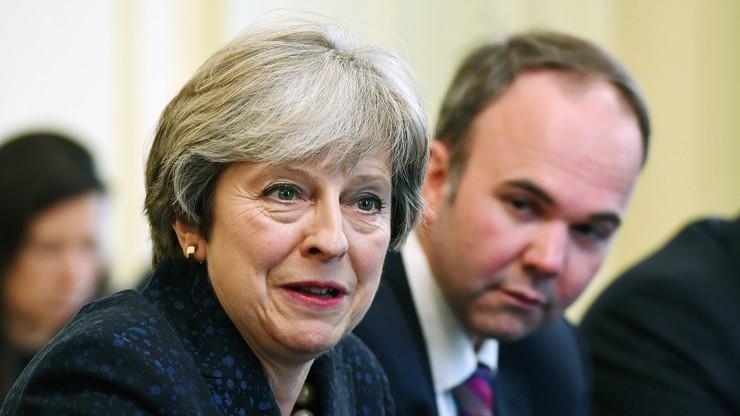 """""""Chcę, żebyście zostali w Wielkiej Brytanii po Brexicie"""". Premier May zwróci się do obywateli UE"""