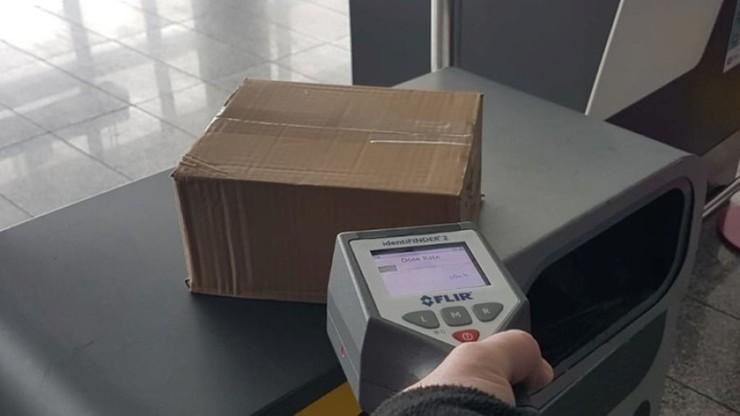 Napromieniowana paczka z Chin na lotnisku w Pyrzowicach