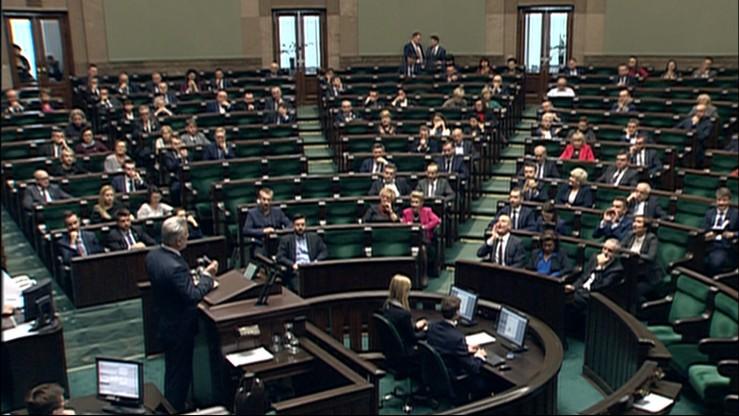 Projekt ustawy o służbie cywilnej skierowany do prac w komisji