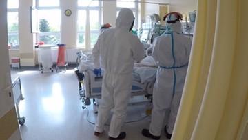"""Nie żyje 33-latek zakażony koronawirusem. Ponad 40 ofiar przed """"pięćdziesiątką"""""""