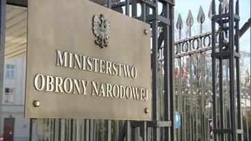 Poseł PO: Berczyński nadal jest zatrudniony w MON