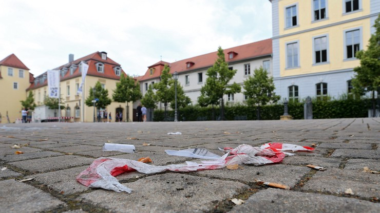Zamachowiec z Ansbach czatował z kimś przed wybuchem