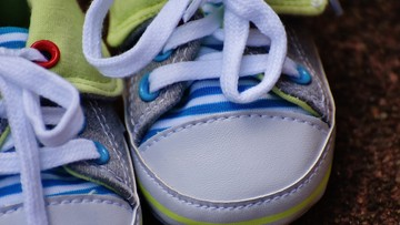Więcej sześciolatków obsłuży smartfona niż zawiąże buty