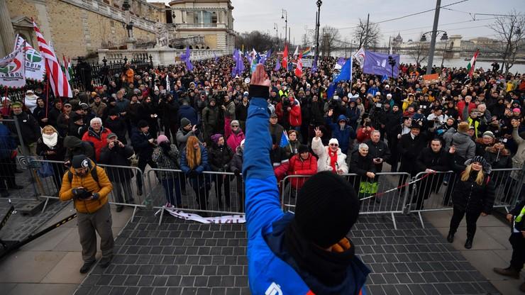 """Protesty na Węgrzech. Rzecznik rządu twierdzi, że to """"element kampanii wyborczej"""""""