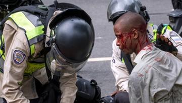 Kryzys polityczny i ekonomiczny w Wenezueli. Rośnie liczba ofiar starć z policją