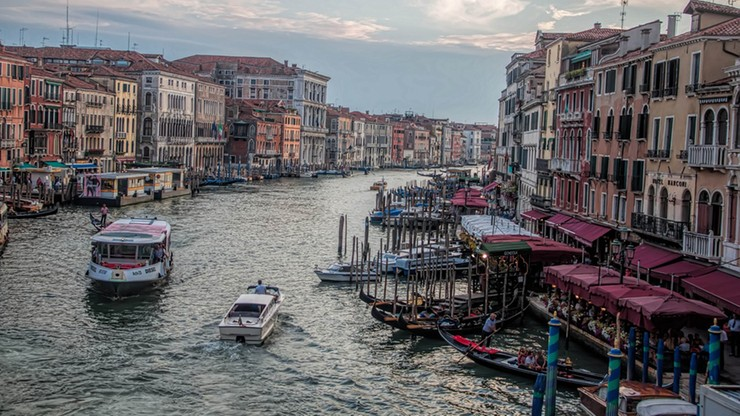 Weneccy hotelarze chcą zadośćuczynić oszukanym w restauracji Japończykom