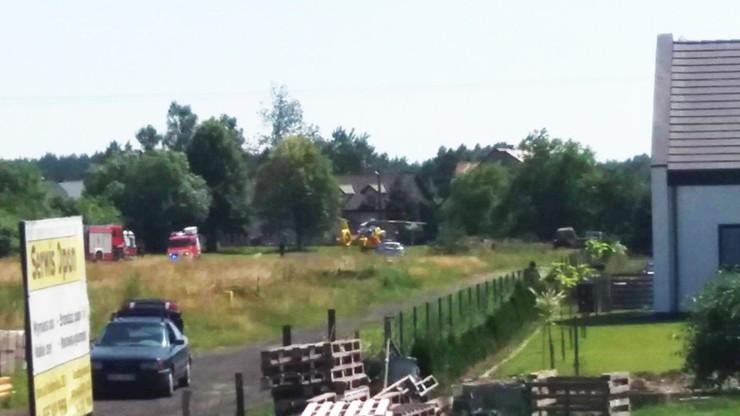 Strażacy wycięli słupki na drodze do śmigłowca LPR. Mieszkańcy: mógł lądować gdzie indziej