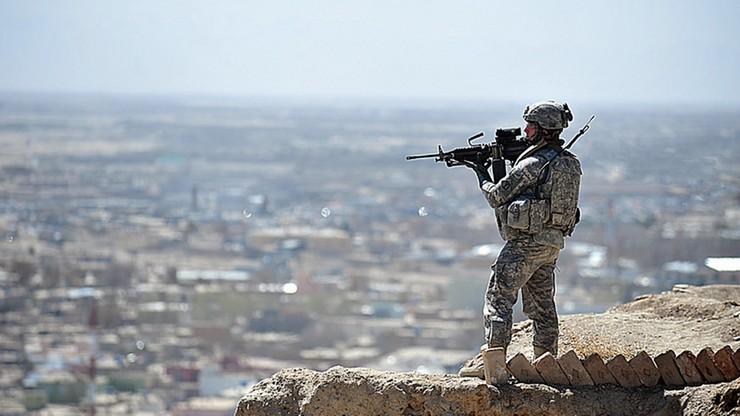 """Gen. Nicholson """"nie odrzuca"""" doniesień o tym, że Rosja zbroi talibów"""