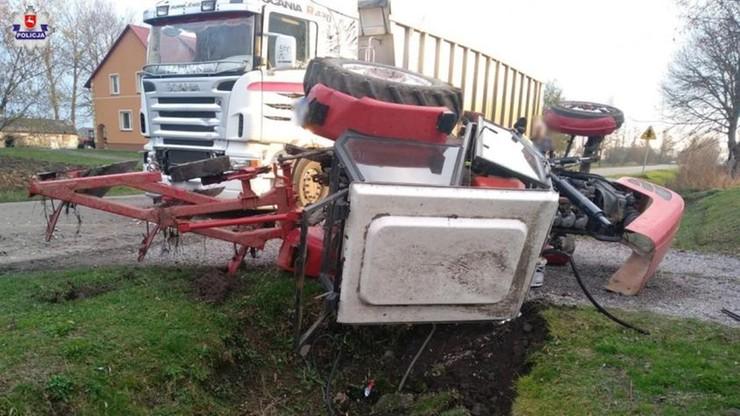 Ciężarówka staranowała traktor w Werbkowicach