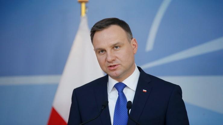 Polacy najbardziej ufają prezydentowi i premier. Słabo rozpoznają ministrów