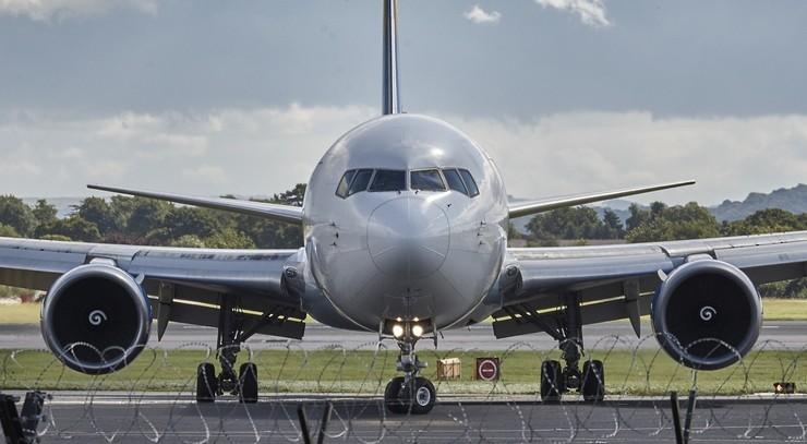 Lot samolotem to kosztowny przywilej. Specjalny podatek może ograniczyć podróżowanie