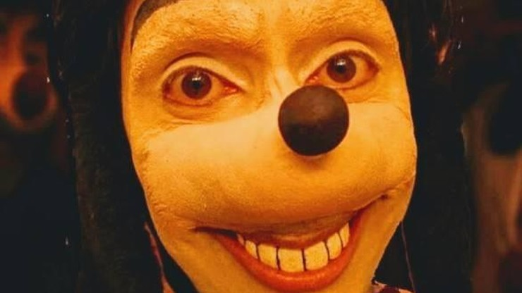 """""""Straszny Goofy"""" zachęca dzieci do niebezpiecznych gier? Policja ostrzega"""