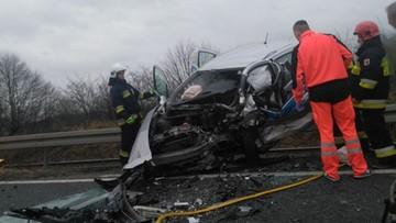 Wypadek z udziałem samochodu nauki jazdy. Jedna osoba zginęła