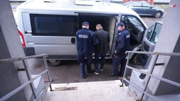 Śląska policja zatrzymała domniemanego szefa grupy wyłudzającej VAT