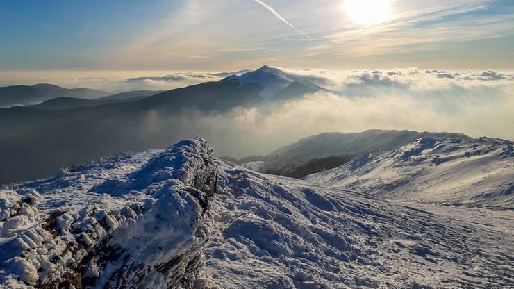 W Bieszczadach drugi stopień zagrożenia lawinowego, trudne warunki w Beskidach i w Tatrach