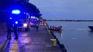 Samochód wpadł do wody w Świnoujściu. Wydobyto ciała nastolatków