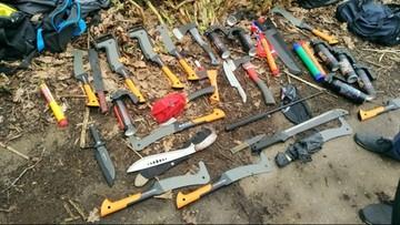 Siekiery, noże i race. Policja udaremniła ustawkę z udziałem 200 pseudokibiców
