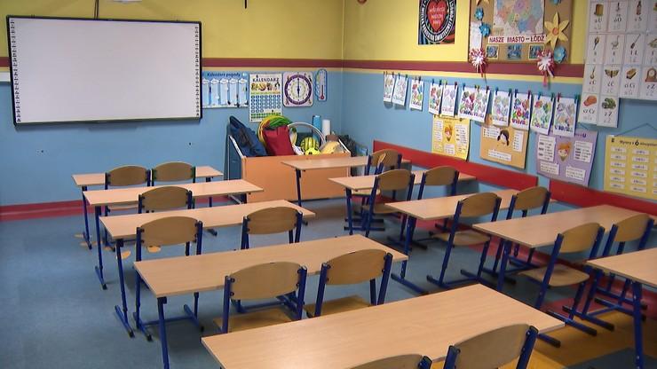 Powrót do szkół. Od 29 maja uczniowie wszystkich klas będą się uczyć stacjonarnie
