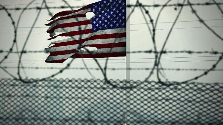 USA. Administracja Bidena wypuściła z Guantanamo pierwszego więźnia