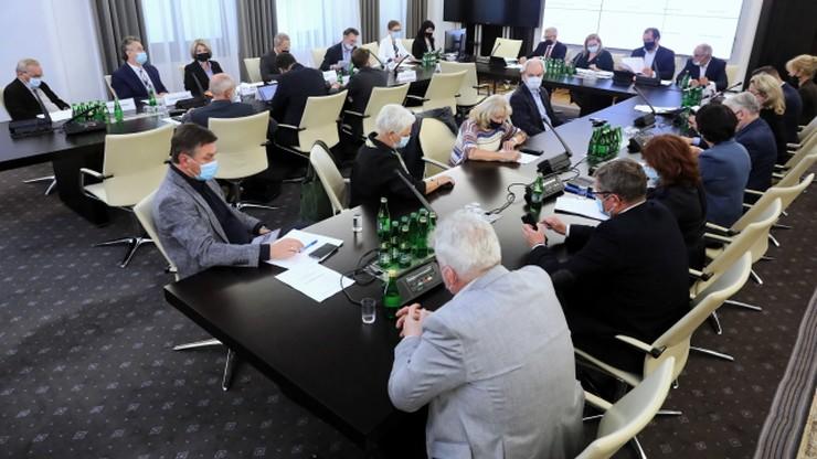 Senackie komisje za odrzuceniem ustawy medialnej