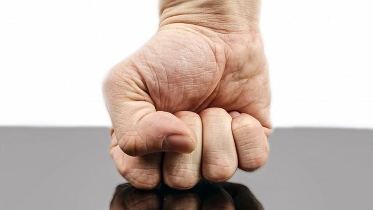 Raport NIK: państwo nie umie pomóc osobom dotkniętym przemocą domową