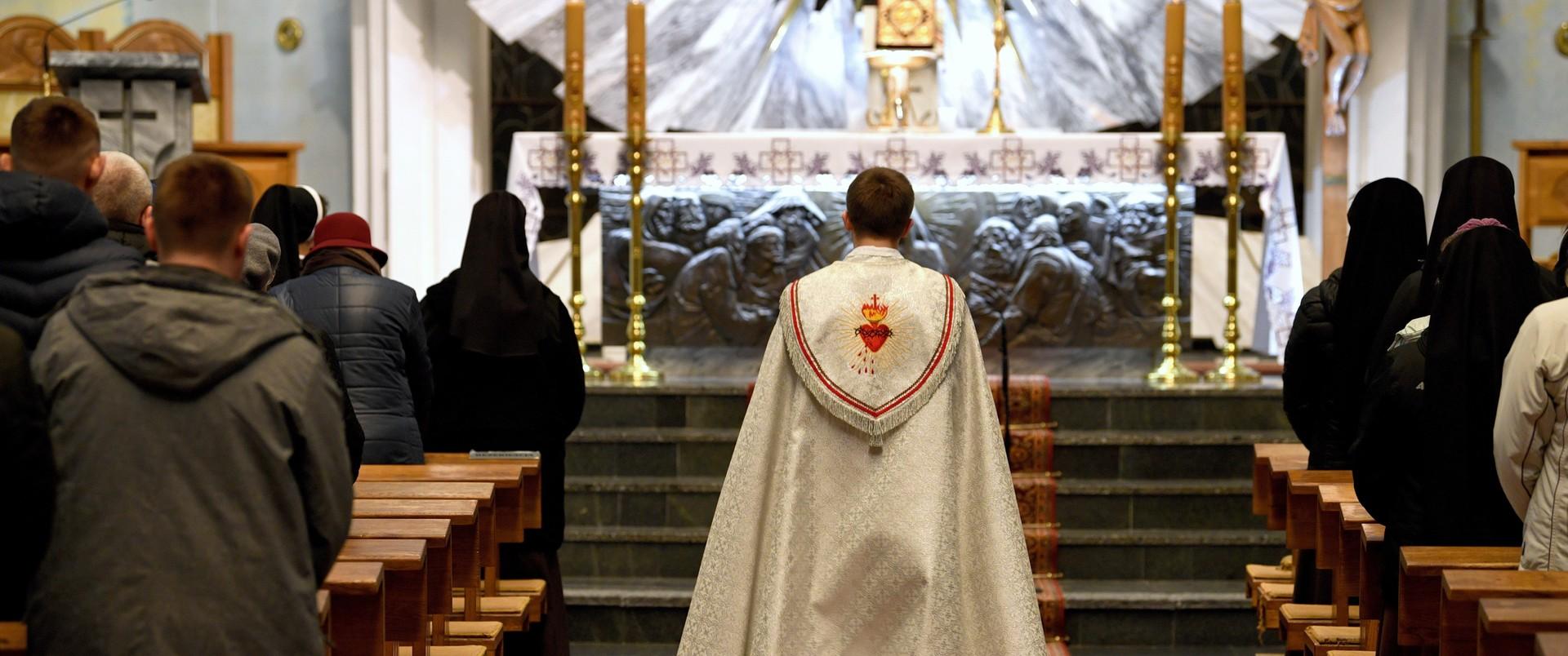 Zaremba o Kościele (i kościołach) w czasach zarazy