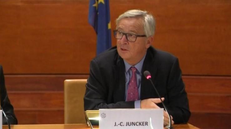 Juncker: odwracanie się plecami od Włoch ws. migrantów jest skandaliczne