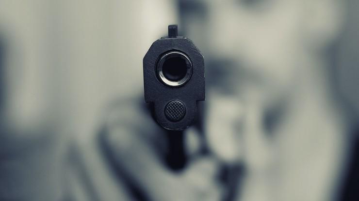 16-latek strzelał z atrapy broni w auta. Tłumaczył, że robił to dla zabawy